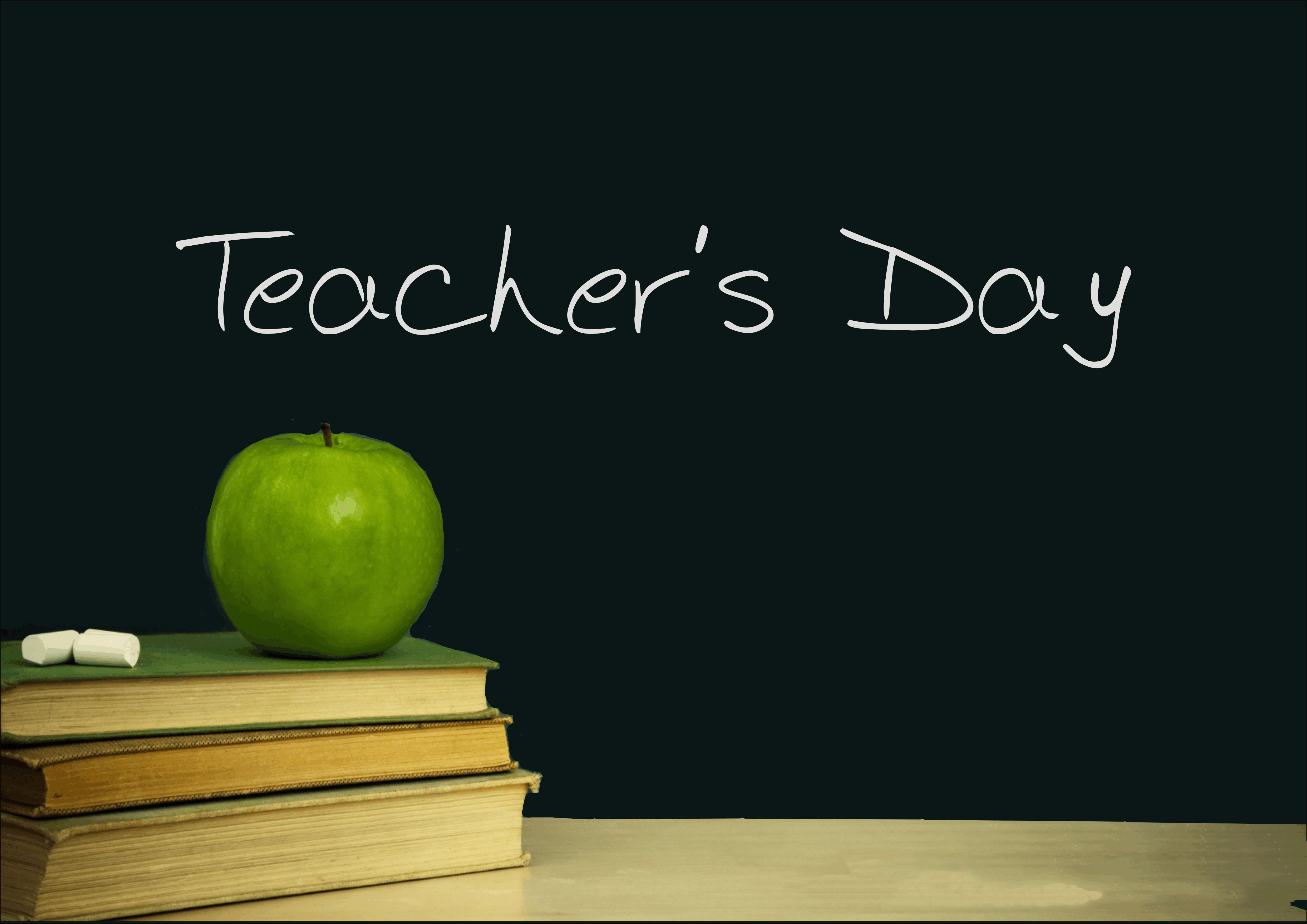 نمایشگاه دستاوردهای دانشجویان و اساتید در روز معلم