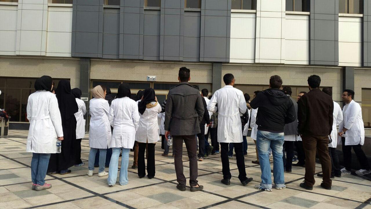 قول وزیر بهداشت برای رسیدگی سه ماه به مشکلات دانشجویان