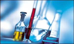 رشته علوم آزمایشگاهی باید جزء مشاغل سخت و زیانآور محسوب شود