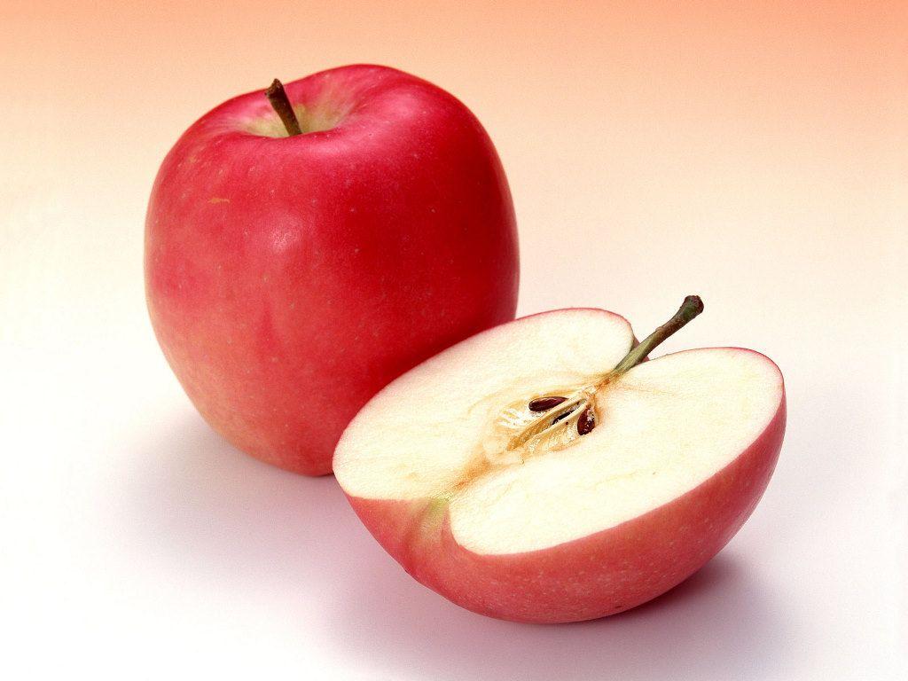 """سر جلسه کنکور """"سیب قرمز"""" بخورید!"""