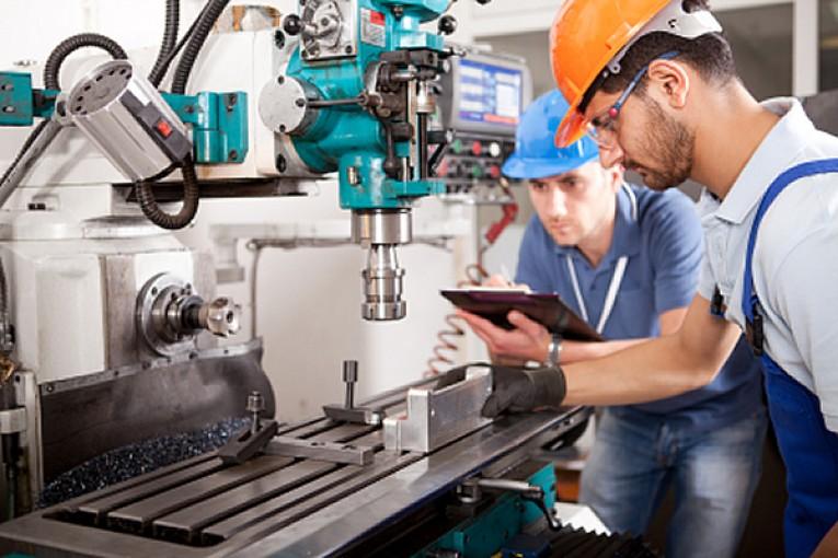 پیش بینی کاهش 50 درصدی نرخ بیکاری فارغ التحصیلان