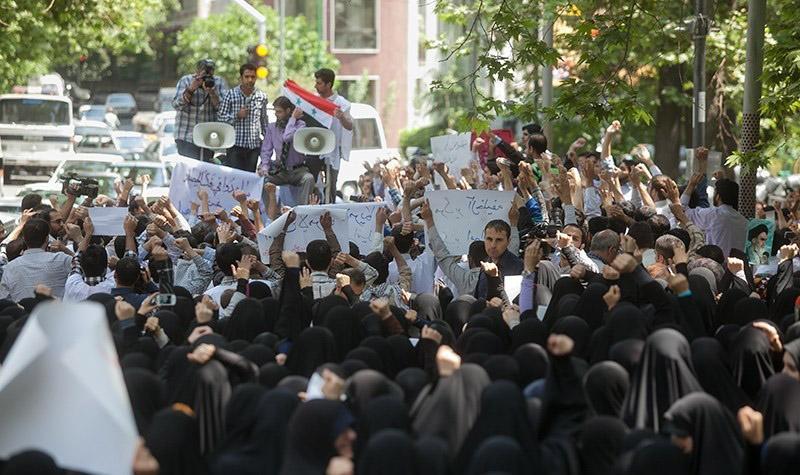 تجمع اساتید و دانشجویان دانشگاه شریف در حمایت از مردم یمن برگزار شد
