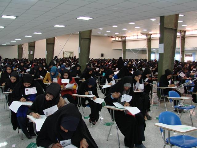 تعداد دانشجویان دانشگاه آزاد اهواز کمتر از صندلیهاست