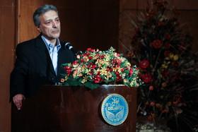 انتقاد رئیس دانشگاه تهران از فروش پایاننامه و سرقتهای علمی